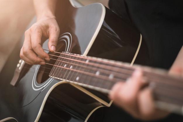 Comment faire pour apprendre seul la guitare ?